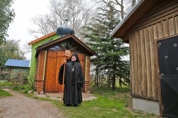 Cómo viven los tres monjes del único monasterio bizantino de Sudamérica