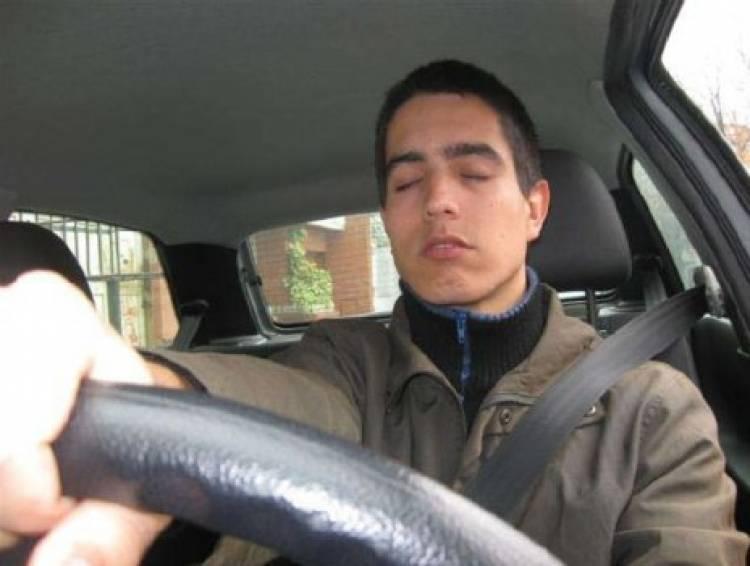 Dormir poco o mal: uno de los peligros más comunes al volante
