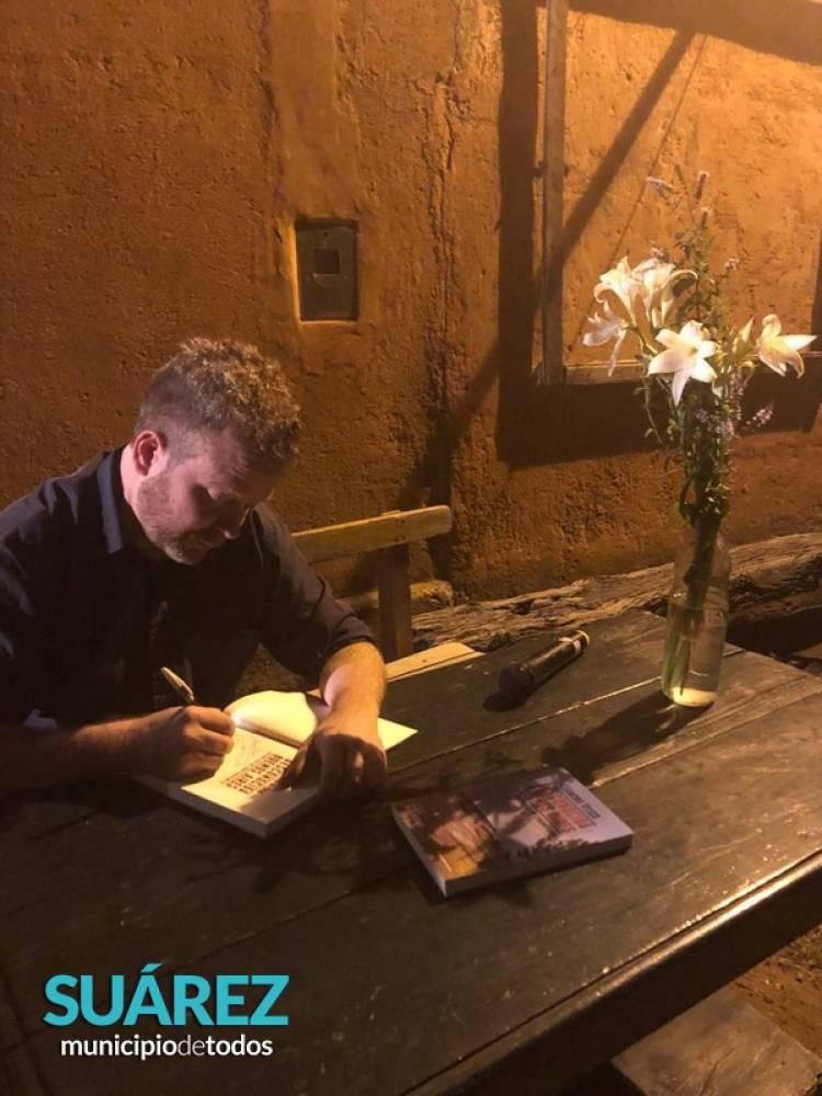 """Presentación del libro de Leandro Vesco """"Desconocida Buenos Aires"""" en Cura Malal y Piñeyro"""