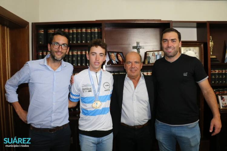 Moccero reconoció al joven ciclista Damián Alonso