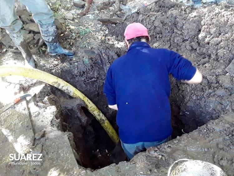 Obras Públicas: arreglos de pérdidas de agua en la vía pública