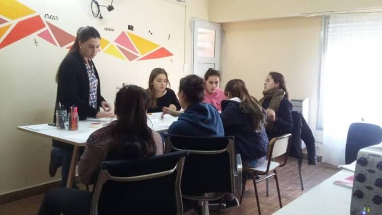 Provincia destina más de 4 millones de pesos a instituciones educativas de Coronel Suárez y la región