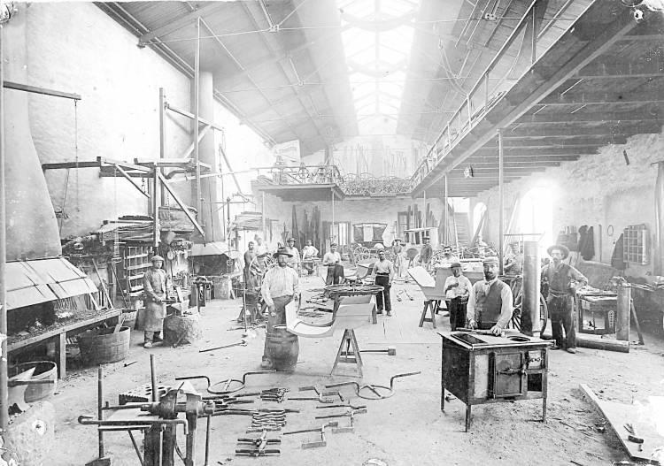 Micro Histórico - La familia Salvi, Don Luis fue con su fábrica de carruajes el primer industrial que tuvo el pueblo
