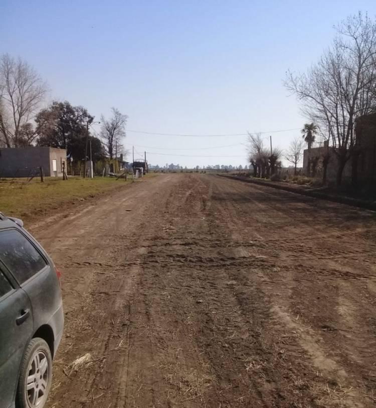 Se están arreglando las calles de tierra en Cura Malal