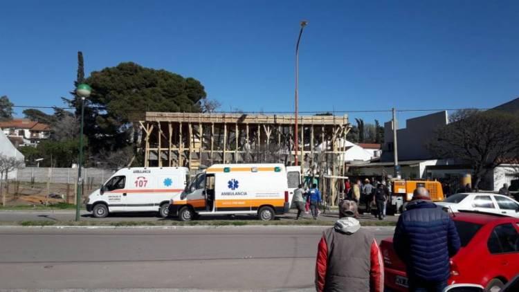 Monte Hermoso: se desplomó una losa y hay varios obreros heridos