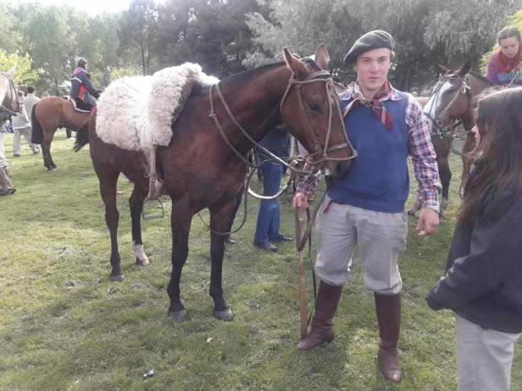 Una nueva Cabalgata partió de la Escuela Agropecuaria
