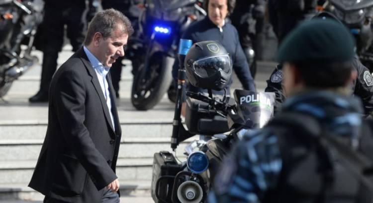 Ritondo desafectó a ocho policías por la desaparición de 500 kilos de marihuana