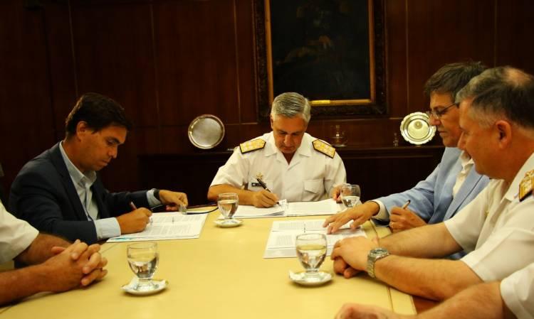 Se recuperarán 120 metros de frente de amarre con el desguace de más de 20 buques inactivos en el puerto de Mar del Plata