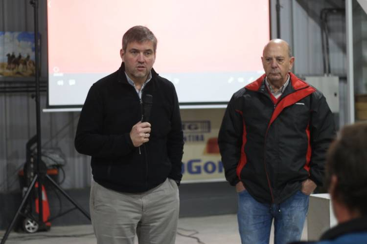 TREVOR AGRO presentó la línea de sembradoras MONUMENTAL