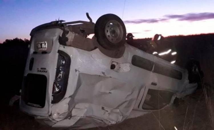 Un vecino de Coronel Suárez volcó en la Ruta 60 en cercanías a Carhué