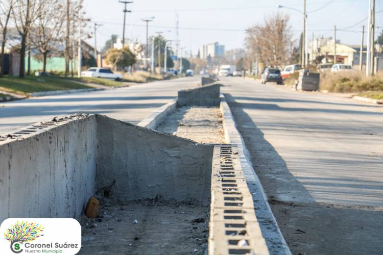 Se trabaja en la construcción de la rambla de la Avenida Teodosio Alaniz