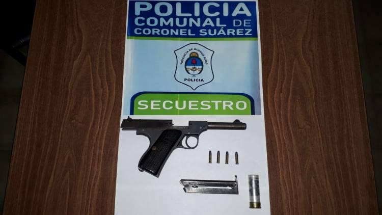 Secuestraron un arma y marihuana en un operativo de tránsito