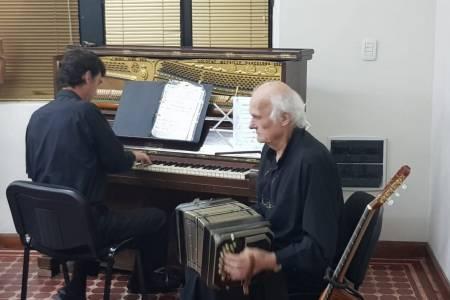Albino Lang y su hijo Gustavo Lang, brillaron en Sala Bicentenario