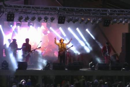 Coti paseó su batería de hits en la Exposición Rural suarense