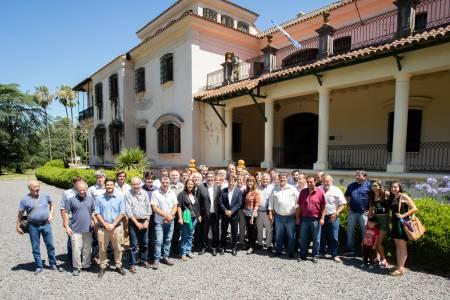 El ministro Rodríguez y el gobernador Kicillof se reunieron con representantes de productores de la Provincia