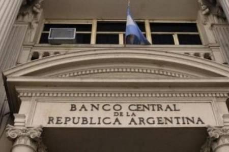 El BCRA anunció créditos y flexibilización para deudores