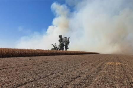 Incendio intencional en un campo del vice de CRA