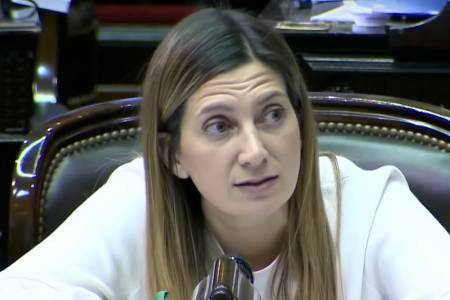 Con un ovacionado discurso, Lospennato le ganó a Massot el duelo del PRO