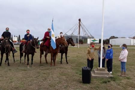 20 de junio en Coronel Suárez con banderazo y bocinazo
