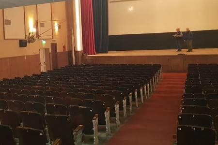 Evalúan la posibilidad de volver a dar cine en el Italia