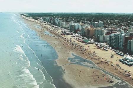 El Ministerio de Turismo confirmó que habrá temporada de verano en todo el país