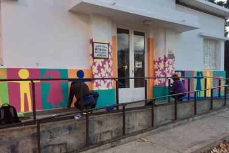 Significativo mural de colores para el Materno Infantil del Hospital Municipal