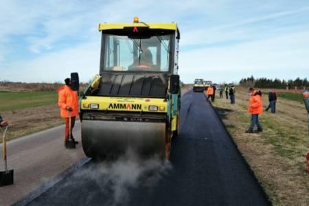 Continúan los trabajos de repavimentación en la ruta nacional 33