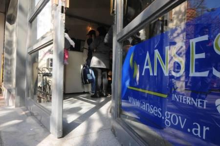 La Anses analiza una nueva moratoria jubilatoria para los que le faltan años de aportes