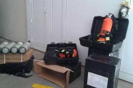 Bomberos Voluntarios incorporó 4 nuevos equipos autónomos. La Comisión Directiva adquirió además 4 tubos de repuesto. Una inversión de 780.000 pesos
