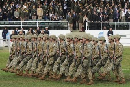 Se suspendió el desfile militar del 9 de julio por un conflicto con los salarios de las Fuerzas Armadas