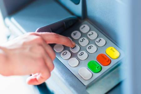 Este viernes habrá feriado bancario: qué trámites se podrán realizar online