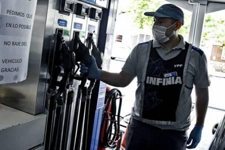 El segundo golpe al bolsillo del año no tardó en llegar: a cuánto se fue el litro de nafta en la Región