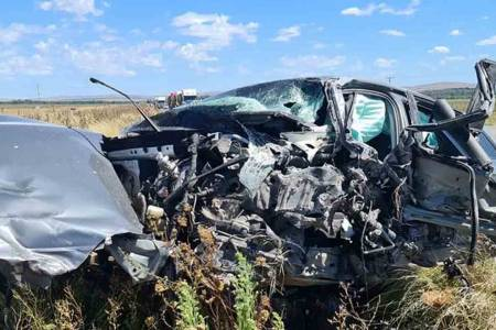 Ruta 51: un choque frontal entre un auto y un camión dejó tres heridos