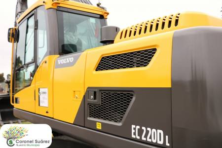 Una excavadora Volvo se incorporó al equipamiento de Vialidad