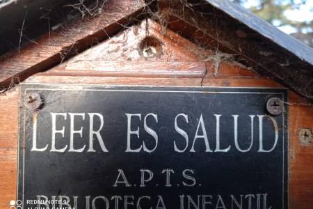 """¿Querés leer? Pasa por Plaza San Martín y encontrarás la casita de la lectura """"LEER ES SALUD"""""""