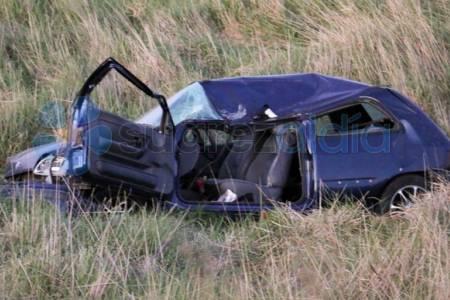 Grave accidente a 8 kilómetros de Pasman: la conductora de un auto fue derivada a Bahía Blanca