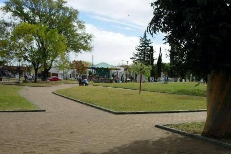 Micro Histórico - A cuarenta años de inaugurada la 'Plaza Tambor de Tacuarí'