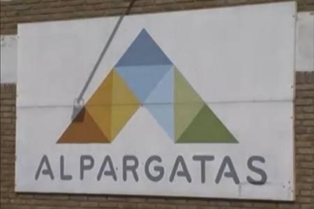 Tras vender Topper, Alpargatas cerró dos plantas y despidió a 453 empleados