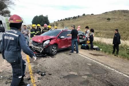 Triple choque en la ruta 76 con dos heridos