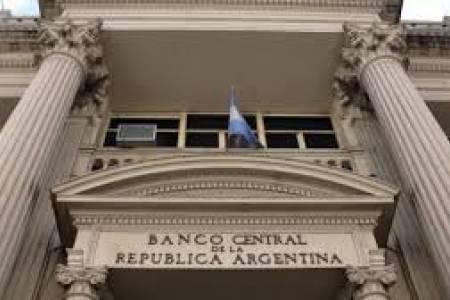 El BCRA oficializó la eliminación de las comisiones por depósitos en efectivo