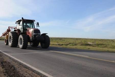 Lo que hay que saber para salir a la ruta con una maquinaria agrícola