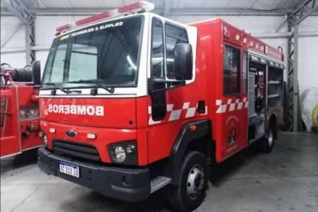 Bomberos Voluntarios festejó su aniversario con la presentación de una unidad de rescate