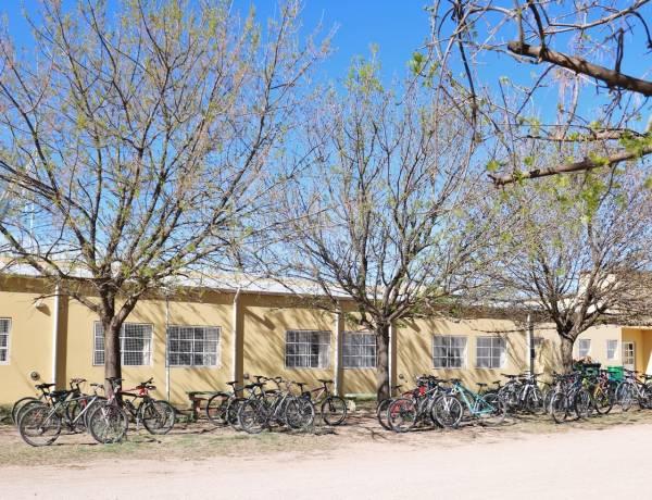 Palacio recorrió las obras que se realizaron en la Escuela Agropecuaria a través de Fondos Educativos