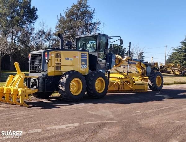 Comisión Vial Rural: una nueva motoniveladora se suma al mantenimiento de los caminos rurales del distrito
