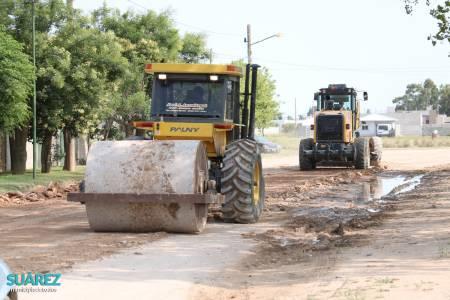 Servicios Públicos: Trabajos de mantenimiento y reparación de calles en los barrios de la ciudad