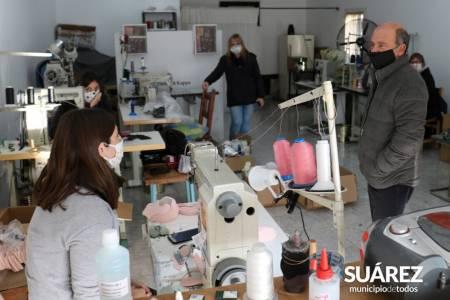 Generar y reactivar el trabajo: El Intendente Moccero recorrió emprendimientos textiles en plena producción