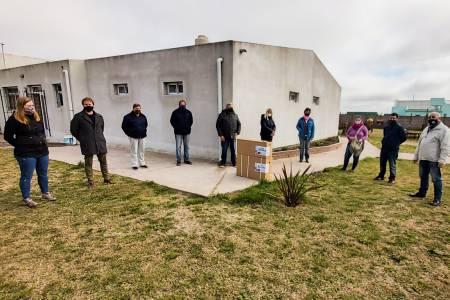 Los concejales del Frente de Todos continúan recorriendo el distrito, visitando instituciones y entregando aportes económicos