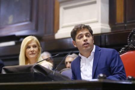 Kicillof anunció una amplia moratoria y cambios del esquema de monotributo