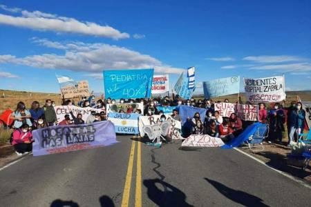 Podrían faltar combustibles y el gas por una protesta de trabajadores en Vaca Muerta