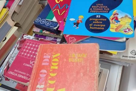 Material escolar - Bilioteca Popular